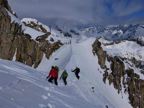 Ski Hutte by Raid 224 Ski Oberland Ski Touring Gauli Hutte Alpes