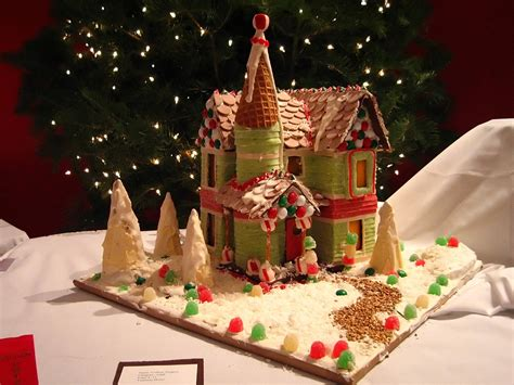 Gallery A Gingerbread House In File Gingerbread House With Path Jpg Wikimedia Commons