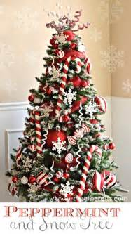 Colorful and sweet christmas trees and decorations you have ever seen