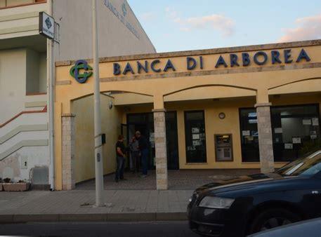 Banca Di Arborea Santa Giusta by Tentata Rapina In Banca A Santa Giusta Sardegna Ansa It