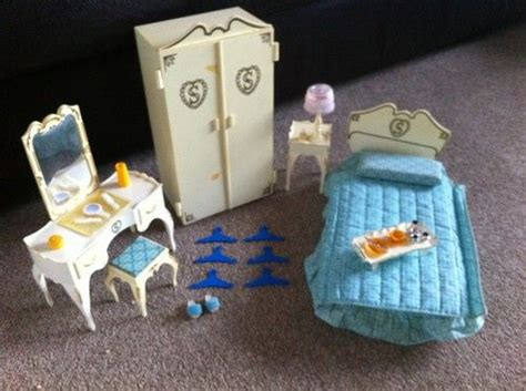 sindy dolls house furniture vintage pedigree sindy 1970 80 s bedroom furniture and accessories my cousin had this