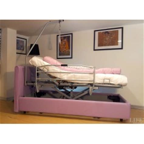 letti per anziani con sponde letto elettrico degenza con sponde per anziani e disabili