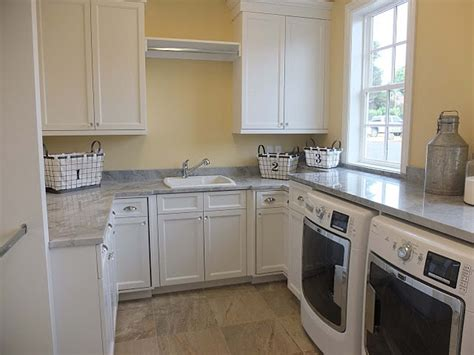 Benjamin Mannequin Kitchen by Family Home With Fabulous White Kitchen Home Bunch