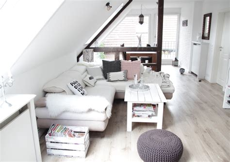 Kleine Dachgeschosswohnung Einrichten by Wohnung Renovieren Vorher Nachher Design Dots