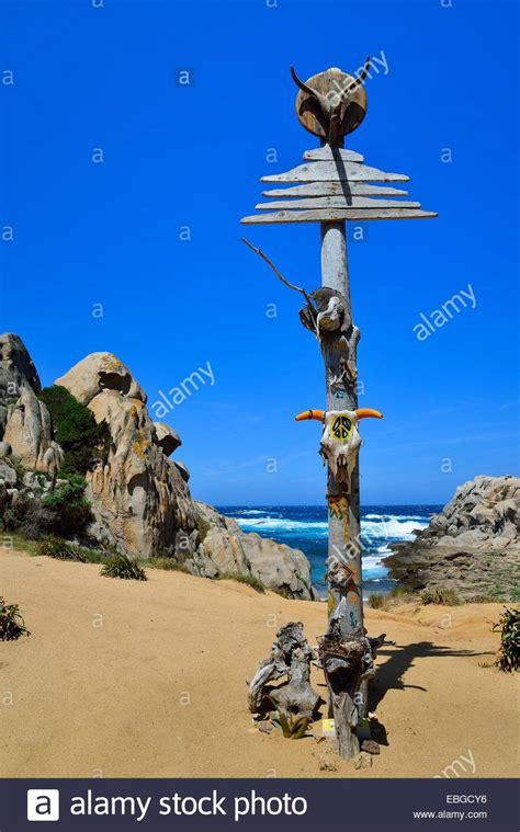 capo testa valle della decorated pole of the hippies in the valle della