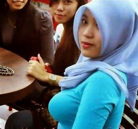 Jilbab Kantor Muslim Clerics Say To No Jilboobs In Indonesia