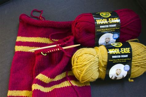 gryffindor scarf knitting pattern 17 best ideas about harry potter gryffindor scarf on