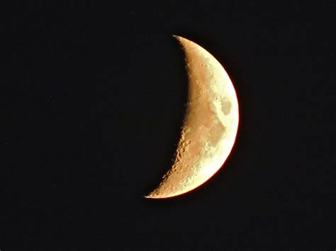 crescent moon gale s photo tonight s waxing crescent moon