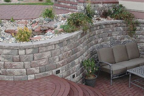 small backyard retaining wall small retaining wall ideas bing images landscape