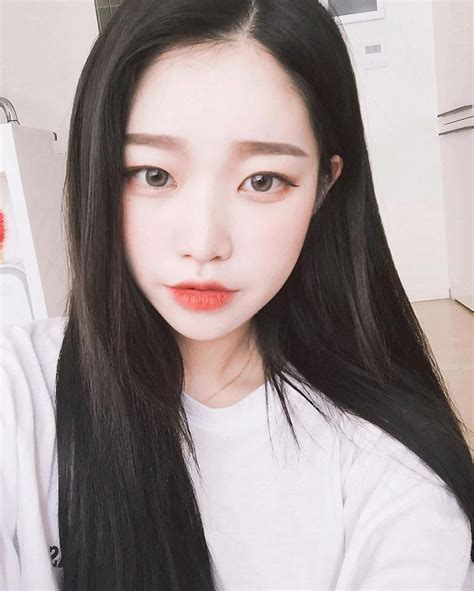 imagenes coreanas llorando 1000 images about the pale girl s guide to beauty collab