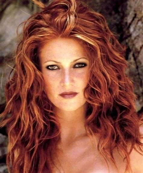 what colour are lisa rinnas hilites red hair with blonde highlights get the look at home