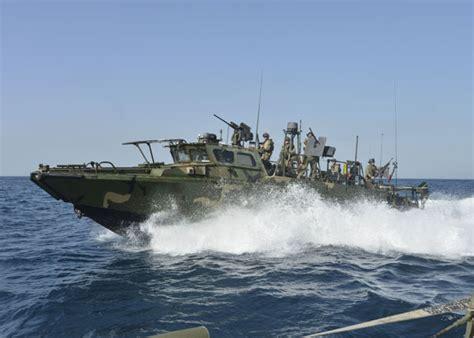 navy small boats 10 us sailors 2 small boats in iranian custody after