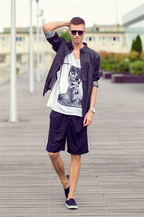 Kemeja Pria Lengan Pendek Warna Vintage Blue fashion pria til keren dengan celana pendek bisa kok