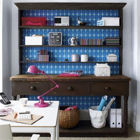 decorazioni mobili decorare mobili con carta da parati ecco 20 idee
