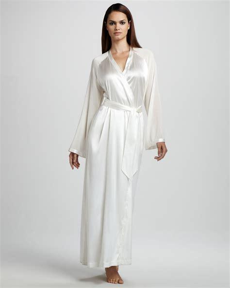la perla maison stretch silk robe 8lutfyhw la perla vestaglie silk robe neutral in white lyst