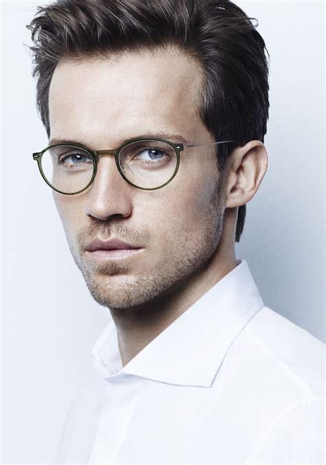 Trendy Eyeglasses 2017 by Men S Eyeglasses Trends 2016