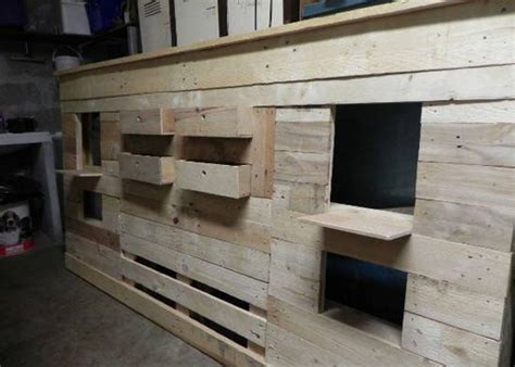Headboards Out Of Pallets by Diy Bed Headboard Out Of Wooden Pallets Pallet Ideas Recycled Upcycled Pallets Furniture