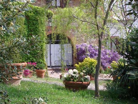 agriturismo fiori di co il giardino picture of agriturismo il serraglio