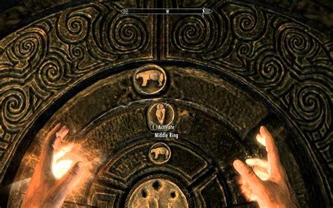 skyrim how to open the golden claw door