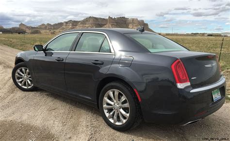 road test review  chrysler  limited  tim
