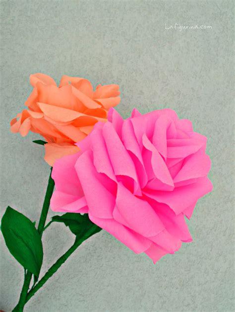 fiori di carta crespa giganti tutorial come fare delle giganti di carta crespa