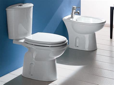 cassetta scarico wc ceramica praga wc monoblocco scarico pavimento iperceramica