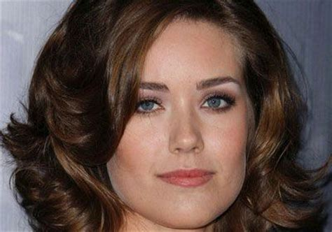what makeup does megan boone on the black lisf megan boone stars with james spader in the quot the black list