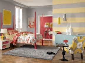 yellow striped wall bedroom