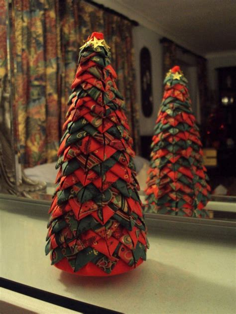 how to make fabric christmas tree quilted style folded fabric tree if you can do the ornaments you can do this