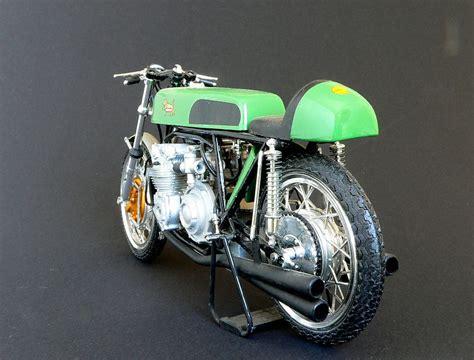 1 Oder 4 Zylinder Motorrad by Benelli 4 Zylinder Power Foto Bild Autos Zweir 228 Der