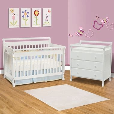 Davinci Emily 4 In 1 Convertible Crib White by Da Vinci 2 Nursery Set Emily 4 In 1 Convertible Crib And 3 Drawer Changer White Free