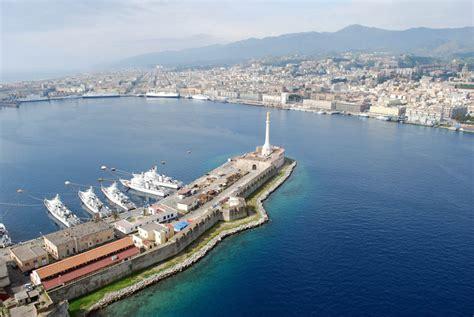 capitaneria porto messina messina prp in arrivo e autorit 224 portuale sospesa tra