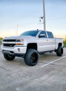 Lifted Chevy Truck Wheels Best 25 Lifted Silverado Ideas On Chevy