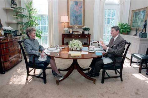 reagan alzheimer s white house 14 maddede quot gelişmiş bir demokraside sarayda oturmanın