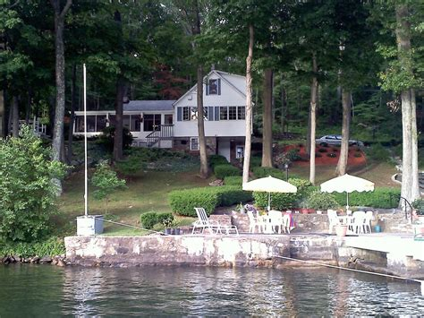 Book Review Candlewood Lake By C Sansevieri by Candlewood Lake House Rental Lattins Cove Danbury 3 Br