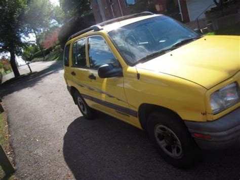 find used 2002 chevrolet tracker 4wd 96000 miles 5 speed manual 4 door in pittsburgh