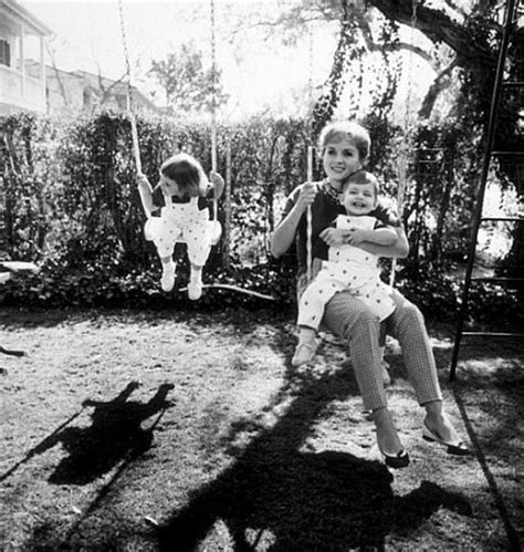 debbie reynolds home debbie reynolds with her children carrie fisher and todd