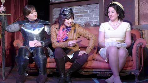 public house theatre review dead broads yapping the public house theatre a chicago comedy blog life