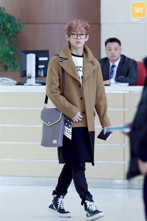 Bts Airport Fashion | style log 131206 bts v airport fashion navy