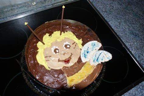 biene maja kuchen die besten 17 ideen zu biene maja torte auf