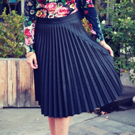 how to wear a pleated skirt popsugar fashion