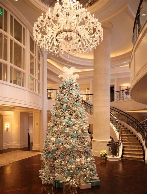 luxury homes decorated for christmas 2058 best images about oh christmas tree on pinterest