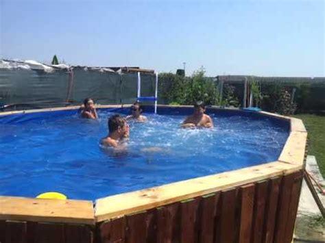 con piscine piscina con bancali