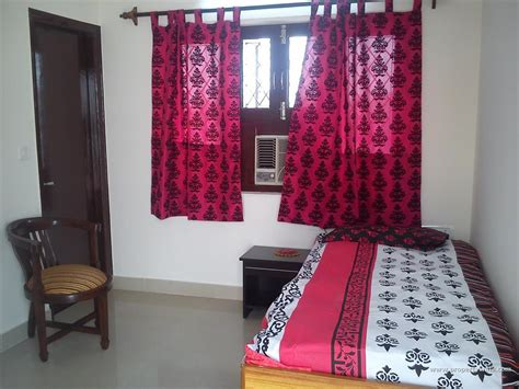 i need one bedroom for rent 1bhk for rent in delhi just flats and apartment