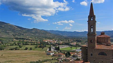 valdichiana castiglion fiorentino the valdichiana valley in tuscany
