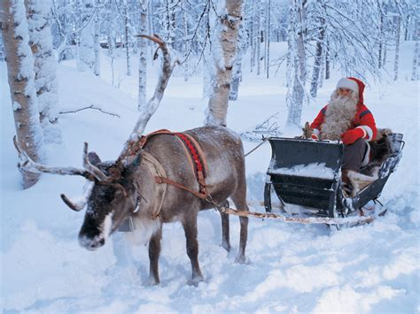 santa claus reindeer 9 desktop background hivewallpaper com