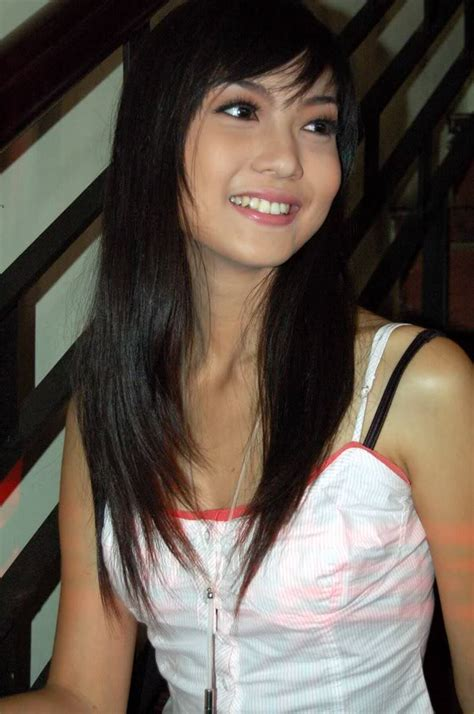 who duse hoda kopys hair model artis indonesia sexy presenter model and actress
