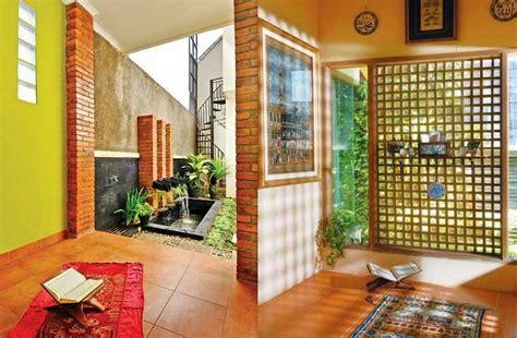 desain mushola di luar rumah 10 desain musala mungil untuk pasangan muda