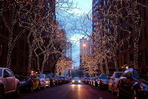 NYC ? NYC: Festive Street Holiday Lights