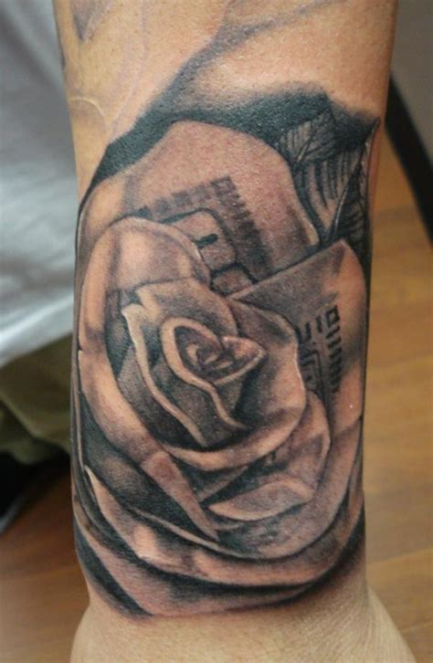 tattoo ideas under 100 100 dollar rose tattoo designs pictures to pin on